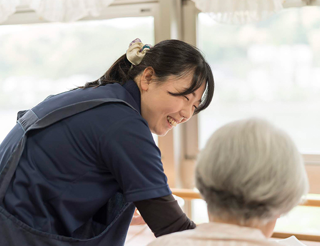 【働きやすくて高収入】介護士募集!未経験者OK!丁寧な指導で安心(瀬田)